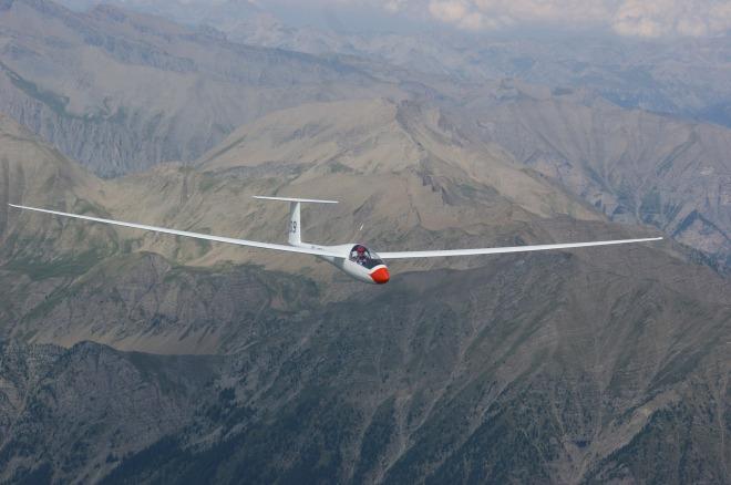 glider-pilot-244990_1920