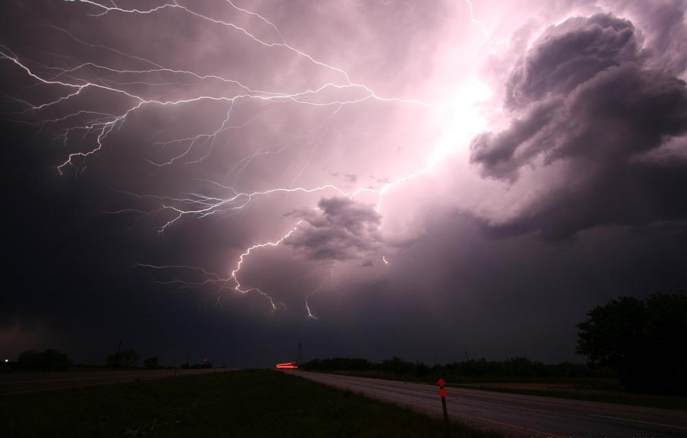 lightning-1056419_1920 (1)